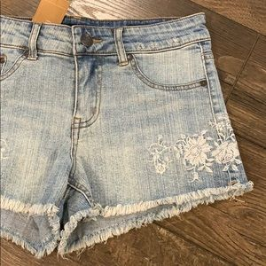 NWT Denim Floral Embroidery Jean Short Cut Offs